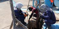 اجرای عملیات لایروبی دهانه آبگیر و پاکسازی گالریهای ایستگاه پمپاژ شهر دارخوین شادگان ۳