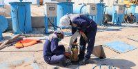 اجرای عملیات لایروبی دهانه آبگیر و پاکسازی گالریهای ایستگاه پمپاژ شهر دارخوین شادگان ۶