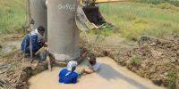 فع آب گرفتگی منازل روستائیان واقع در ناحیه عمرانی TB2 چوئبده آبادان۲